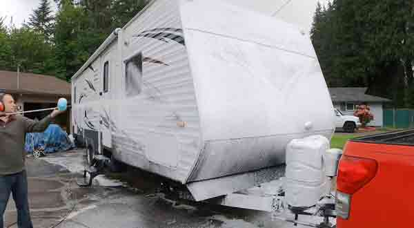 Cleaning Methods According To The RV Body