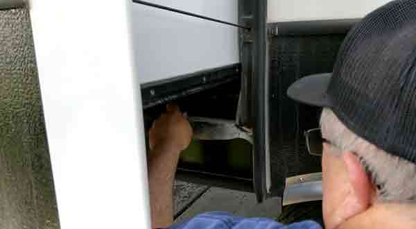 Tips on How to Fix a Sagging RV Slide Out
