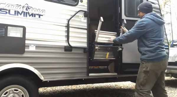 When and How to Manually Retract RV Steps